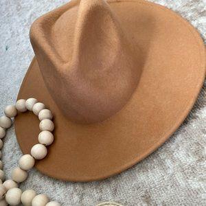 Vici's El Dorado Hat Tan